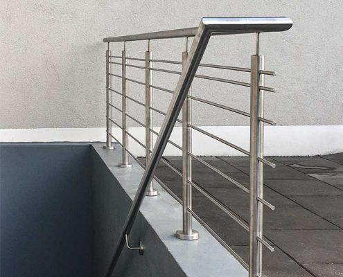 Treppen- Balkon- & Brüstungsgeländer | batke dekor | holz & metall | Lemgo